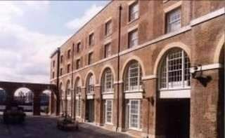 Thumbnail Serviced office to let in The Highway, London