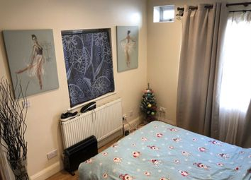 Thumbnail 1 bedroom flat to rent in Kingsley Road, Hounslow