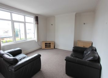 2 bed flat to rent in Ringinglow Road, Sheffield S11