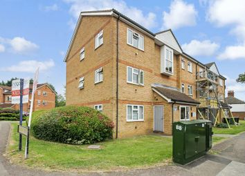 2 bed flat for sale in Quilter Close, Luton LU3