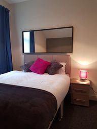 Thumbnail 5 bedroom shared accommodation to rent in Kings Bench Street, Hull