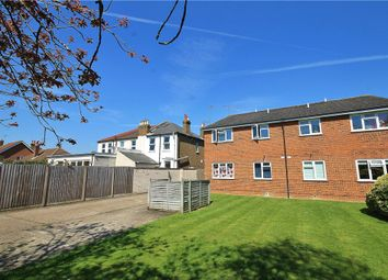 1 bed flat for sale in Wendover Road, Staines, Middlesex TW18