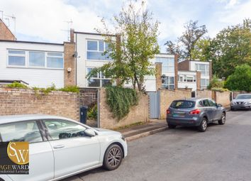 Thumbnail 3 bed town house to rent in Gwynns Walk, Hertford