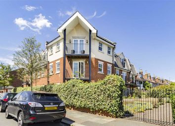 2 bed flat for sale in St. Marks Road, Teddington TW11