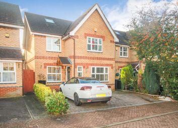 Thumbnail 4 bed detached house for sale in Hadland Close, Bovingdon, Hemel Hempstead