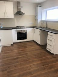 Thumbnail 1 bed flat to rent in The Broadway, Chesham