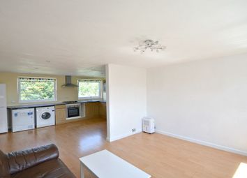 Thumbnail 3 bedroom flat to rent in Blenheim Road, Maidenhead