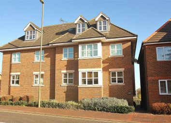 Thumbnail 2 bed flat to rent in Lower Guildford Road, Knaphill, Woking