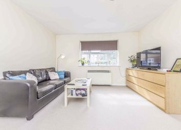 2 bed flat to rent in Henry Doulton Drive, London SW17