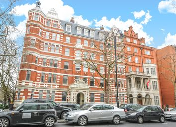 Thumbnail 3 bed flat to rent in Queen's Gate, London