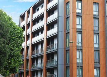Thumbnail 1 bedroom flat to rent in Queensway, Redhill