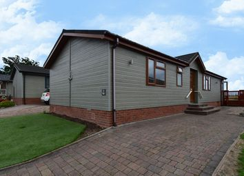 Thumbnail 2 bed mobile/park home for sale in Hanbury Road, Droitwich