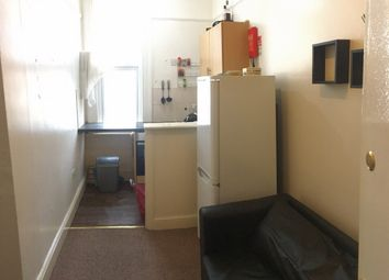 Thumbnail 1 bed flat to rent in Kilburn High Road, Kilburn