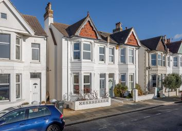 3 bed property for sale in Marine Avenue, Hove BN3