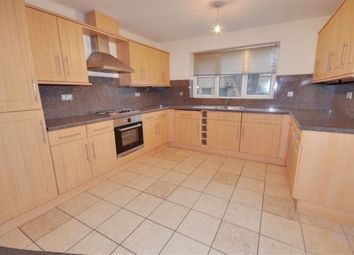 2 bed flat to rent in Post Office Road, Featherstone WF7
