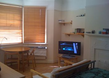 Thumbnail Studio to rent in Brondesbury Park, London