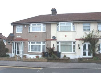 Thumbnail 2 bed flat to rent in Cecil Road, Romford, Essex