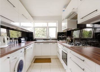 3 bed flat to rent in West Point, Putney, London SW15