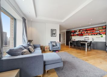 46 Botanic Square, London E14. 3 bed flat