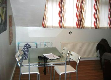 Thumbnail 4 bed flat to rent in Flat 3, 14 Kelso Road, Hyde Park