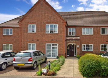 Thumbnail 2 bed flat for sale in King George Avenue, Petersfield, Hampshire