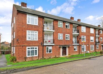 Thumbnail 2 bed flat for sale in Croft Lodge Close, Woodford Green, Essex