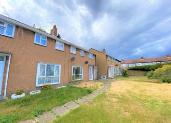 3 bed terraced house to rent in The Close, Oaks Lane IG2