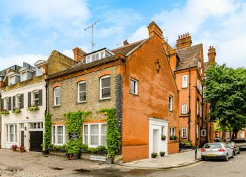 Thumbnail 4 bed property to rent in Milner Street, Chelsea
