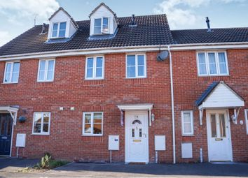 Thumbnail 3 bed town house for sale in Hatch Road, Swindon