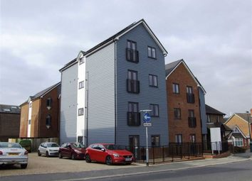 Thumbnail 1 bed flat to rent in Cantelupe Road, East Grinstead, West Sussex