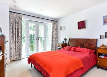 Thumbnail 5 bedroom terraced house for sale in Barker Close, Kew