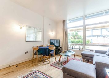 Thumbnail 2 bed flat for sale in Gainsborough House, Canary Wharf