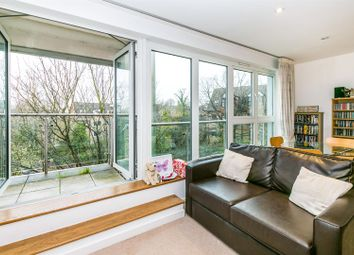 Thumbnail 2 bedroom flat for sale in Constitution Hill, Woking