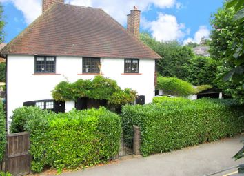 Thumbnail 5 bedroom detached house to rent in Madeira Road, West Byfleet