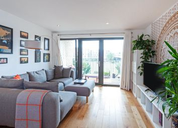 Thumbnail 1 bed flat for sale in 7 Eythorne Road, Oval