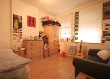 Thumbnail 1 bedroom detached house to rent in Lomond Grove, London