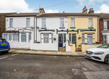 3 bed terraced house for sale in Lansdowne Road, Chatham ME4