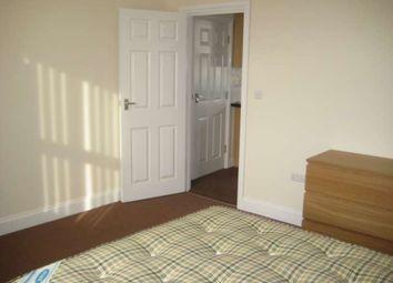 Thumbnail 2 bed flat to rent in Watlington Street, Reading