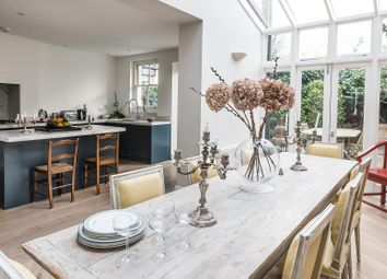 Serviced town house to rent in Clapham Common North Side, London SW4