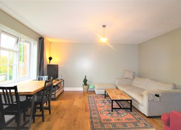 Thumbnail 1 bed flat to rent in Warren Road, Purley