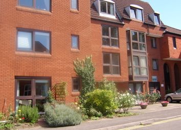 Thumbnail 1 bed flat to rent in South Street, Farnham