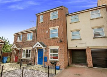 Thumbnail 4 bed town house for sale in Gala Way, Retford