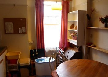 Thumbnail 1 bed property to rent in Firs Avenue, London