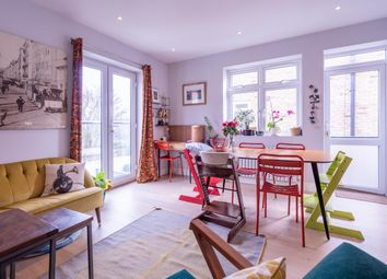 Wrottesley Road, Kensal Rise, London NW10. 3 bed flat for sale