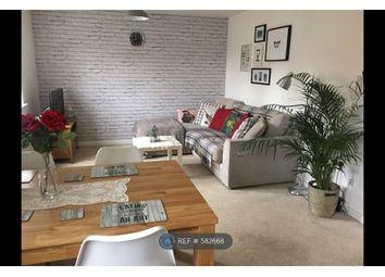 2 bed flat to rent in The Oaks, Leeds LS10
