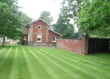 Thumbnail 2 bedroom property for sale in Oatlands Drive, Weybridge, Surrey