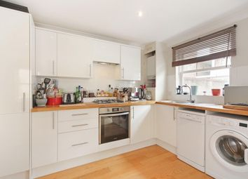 2 bed maisonette to rent in Trinity Road, Wandsworth SW18