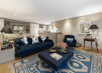 2 bed maisonette for sale in Windsor Court, Vicarage Crescent, Battersea, London SW11