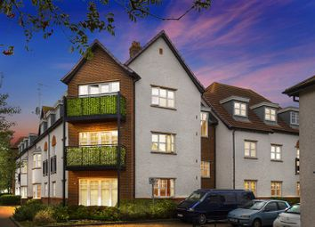 Thumbnail 2 bed flat for sale in Ascot Drive, Letchworth Garden City