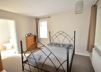 Thumbnail 1 bed maisonette to rent in Avenue Road, Southgate